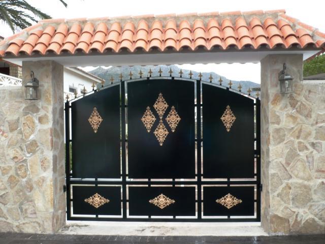 Awesome Home Gate Colour Design Photos   Decoration Design Ideas .